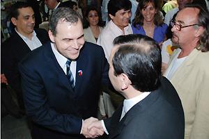 Gustavo Ick junto al gobernador Gerardo Zamora y el Sr. Jorge González